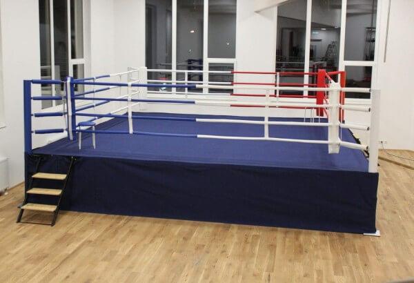 Hochring/Podestring, außen ca. 6,50 x 6,50 m