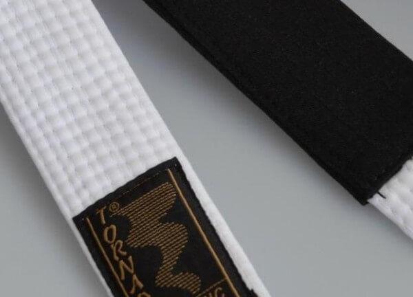 BJJ Gürtel weiß, schwarzer Balken, 260 cm